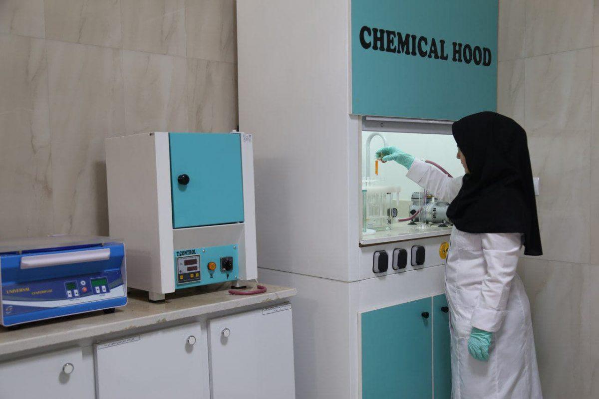 شرکت زعفران تسنیم دارای یکی از مجهزترین آزمایشگاه های کنترل کیفیت زعفران در شرق کشور است که دارای استاندارد های ملی و بین المللی می باشد.
